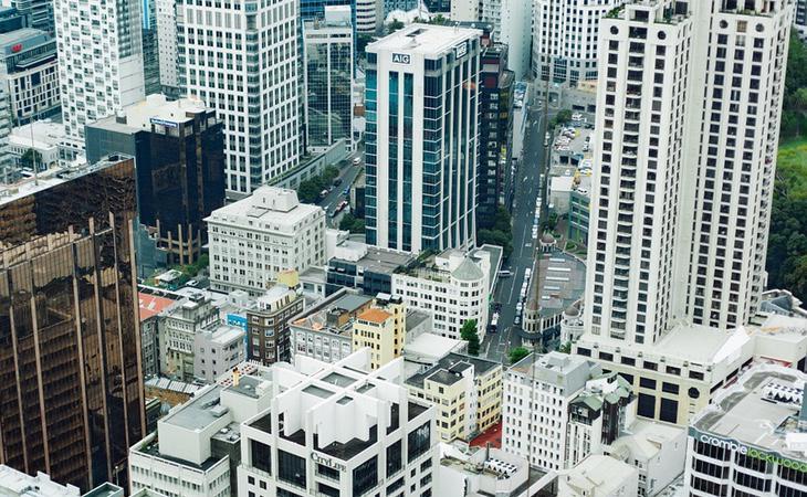 La gente que vive en grandes ciudades es menos feliz