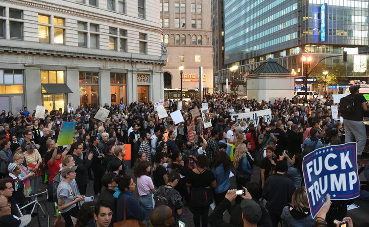 Protesta en Nueva York en contra del presidente