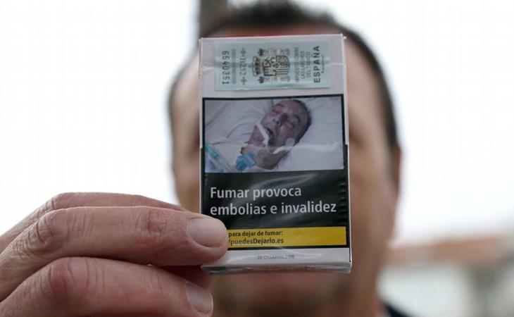 El gallego con la caja de tabaco donde dice aparecer