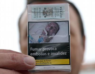 Un gallego denuncia que han usado su imagen de una operación para cajetillas de tabaco