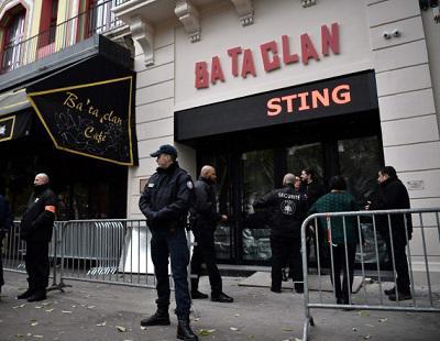 La polémica detrás de la reapertura de la sala Bataclan un año después de los atentados de París