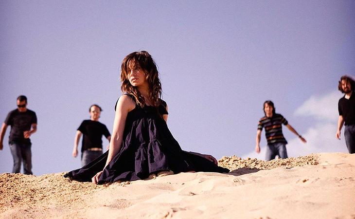 Leire se adaptó rápidamente a su papel como vocalista de una de las bandas mas famosas