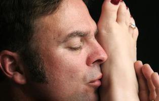 La policía detiene a un peligroso delincuente sexual: 'el lamedor de pies'