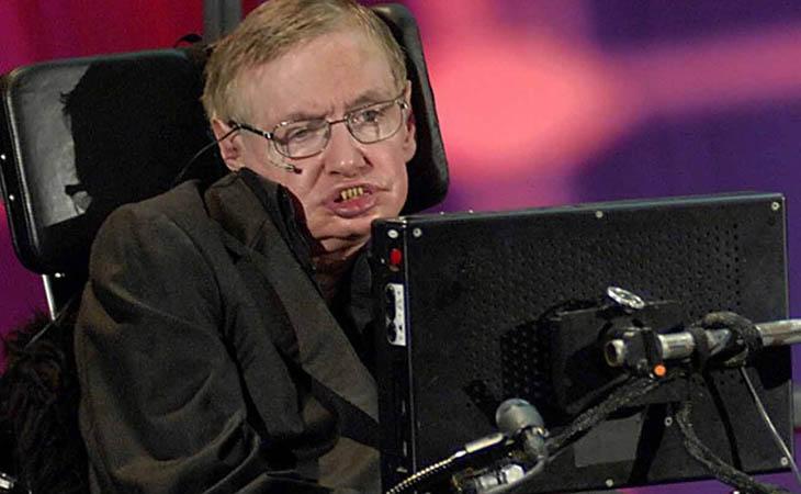 Stephen Hawking cree que nos quedan dos siglos