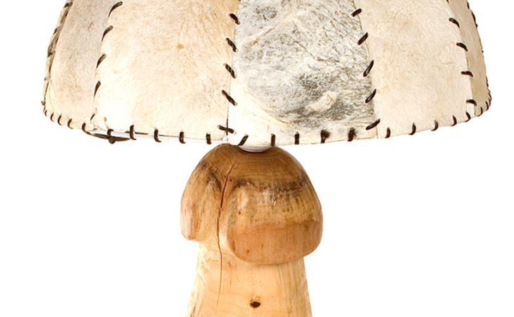 Puedes comprar esta práctica lámpara con forma de falo