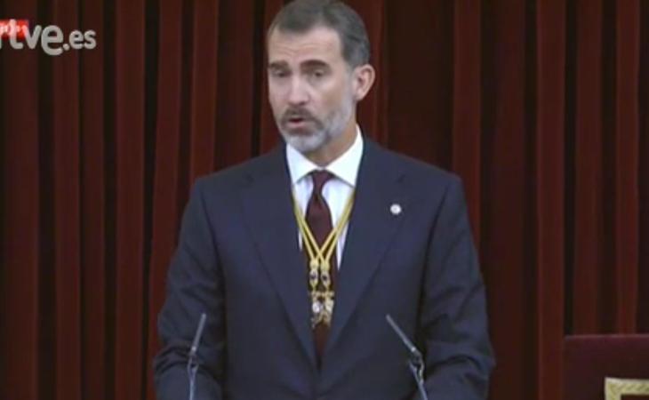 Felipe VI felicita a Mariano Rajoy por sus éxitos como presidente del Gobierno