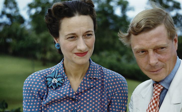 Eduardo VIII feliz junto a su esposa