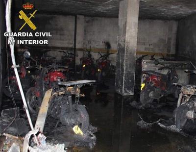 Quema 15 motos del Telepizza en venganza por el despido de su novia