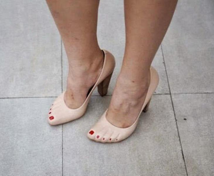 Zapatos con pedicura incluida
