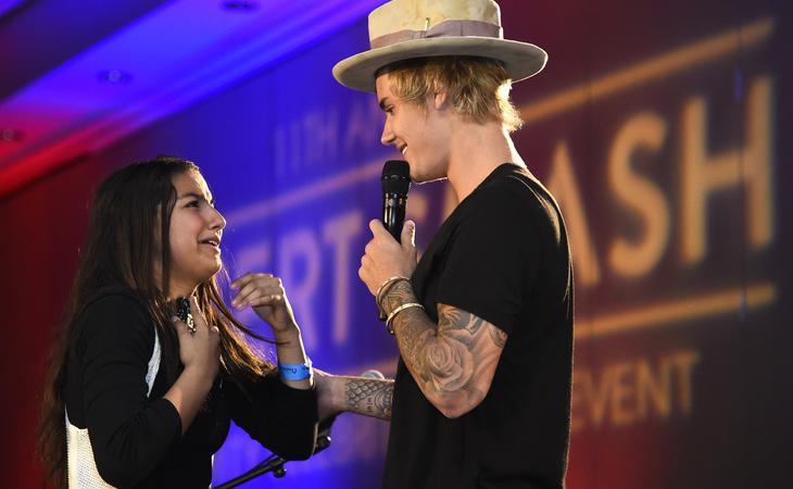 Los fans han demostrado tener más que sentimientos por el cantante