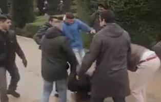 Un activista es agredido por franquistas y la policía solo lo detiene a él