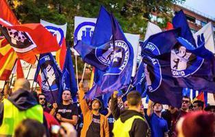 Desalojan Hogar Social Madrid, el colectivo neonazi 'okupa', del antiguo edificio del NO-DO
