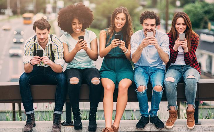 Las discusiones entre amigos por descubrir cual es el mejor teléfono son comunes