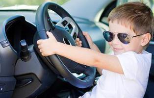 Un niño de 11 años roba el coche de sus padres después de jugar al GTA