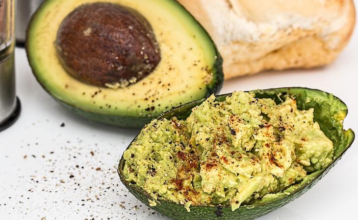 El aguacate, el aceite de oliva y los pescados grasosos son beneficiosos, según Hyman