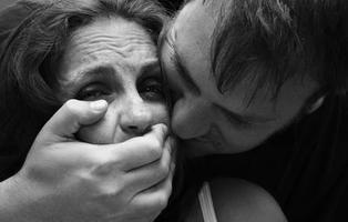 Más de un cuarto de la población europea considera que la violación está justificada en ciertos casos
