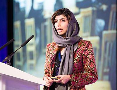 Roya Mahboob, perseguida en su país por enseñar a otras mujeres cómo usar la tecnología