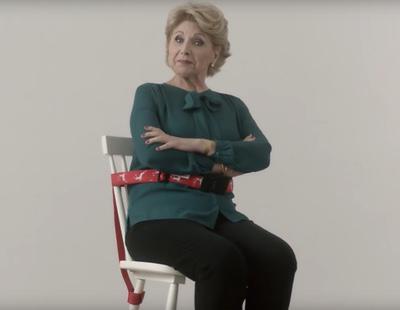 Cenas navideñas igualitarias con el sentador de madres