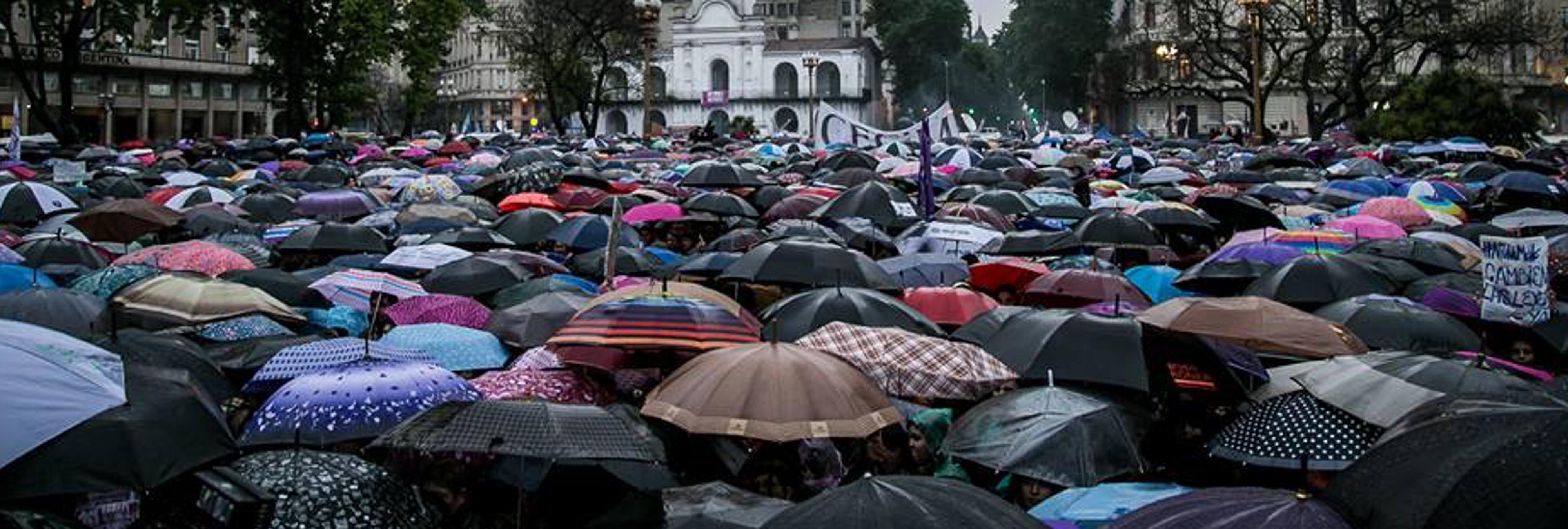 Argentina, víctima de otro feminicidio: una mujer es violada y empalada hasta la muerte