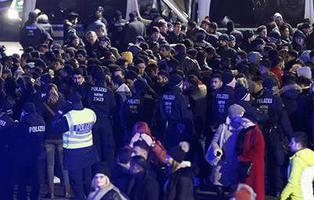 """Mil norteafricanos han sido detenidos de """"forma preventiva"""" por la policía de Colonia para evitar violaciones"""