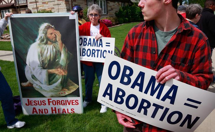Asociaciones católicas se manifiestan en contra de Obama