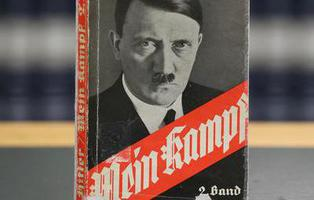Una edición especial del 'Mein Kampf' de Adolf Hitler éxito de ventas en Alemania