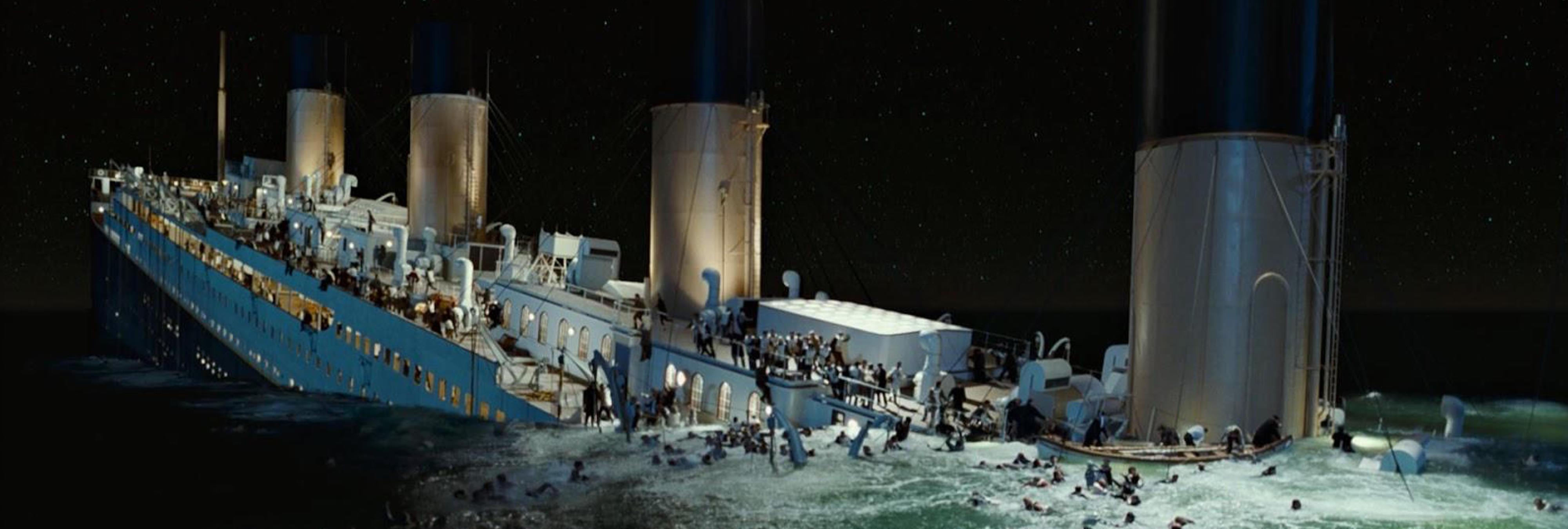 por qué se hundió el titanic La verdadera razón por la que el titanic se hundió si bien cierto es que la culpa fue de un iceberg que desgarró el casco de la cubierta del titanic provocando que este navío se hundiera en las profundidades del océano atlántico, esto solo es una respuesta superficial a lo que en verdad paso.