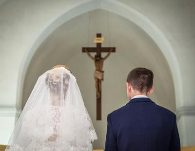 Las bodas católicas registran su mínimo histórico