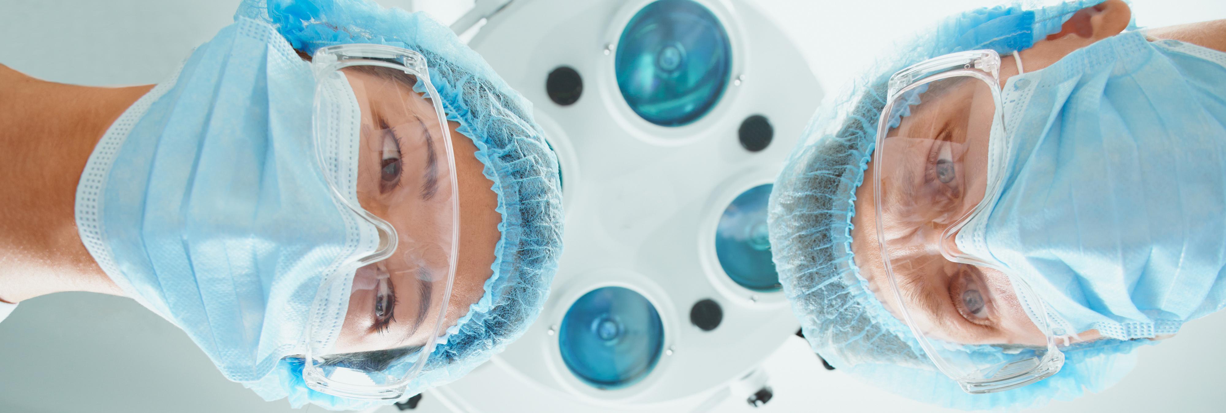 La operan de apendicitis y encuentran un pequeño cerebro en su ovario