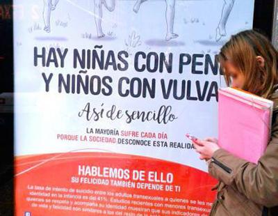 Pintadas y ataques contra la campaña que visibiliza la transexualidad infantil