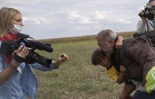Condenada a tres años de libertad condicional la cámara que agredió a unos refugiados