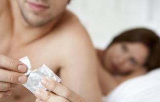 Un hombre es condenado por violación tras quitarse el condón sin avisar a su pareja