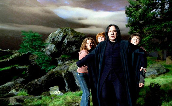 Snape debe proteger a los alumnos del hombre lobo