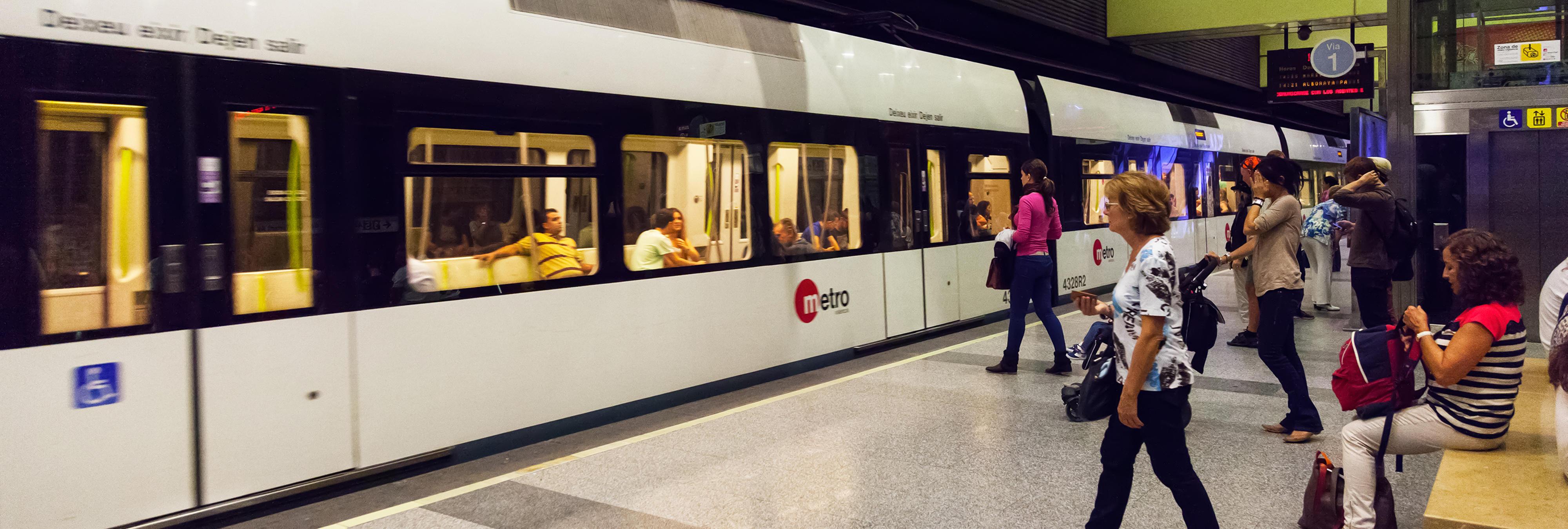 Valencia dejará abierta una estación de metro para personas sin techo ante la ola de frío