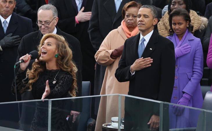 Beyoncé canta el himno de EEUU en el Inauguration Day de Barack Obama en 2009