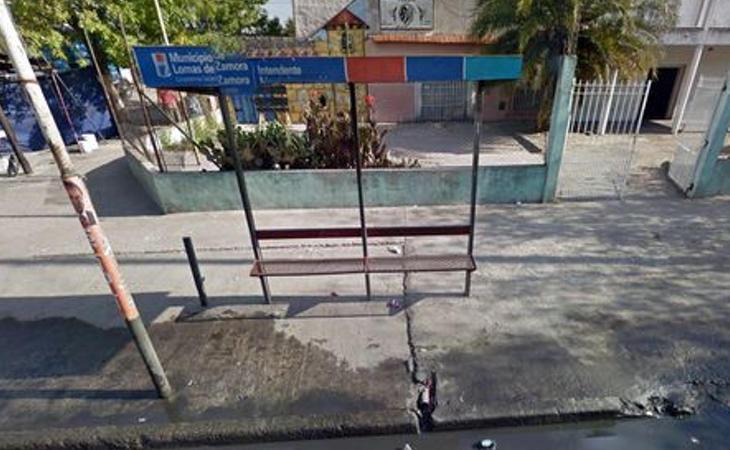 Parada de bus donde tuvo lugar el cirmen