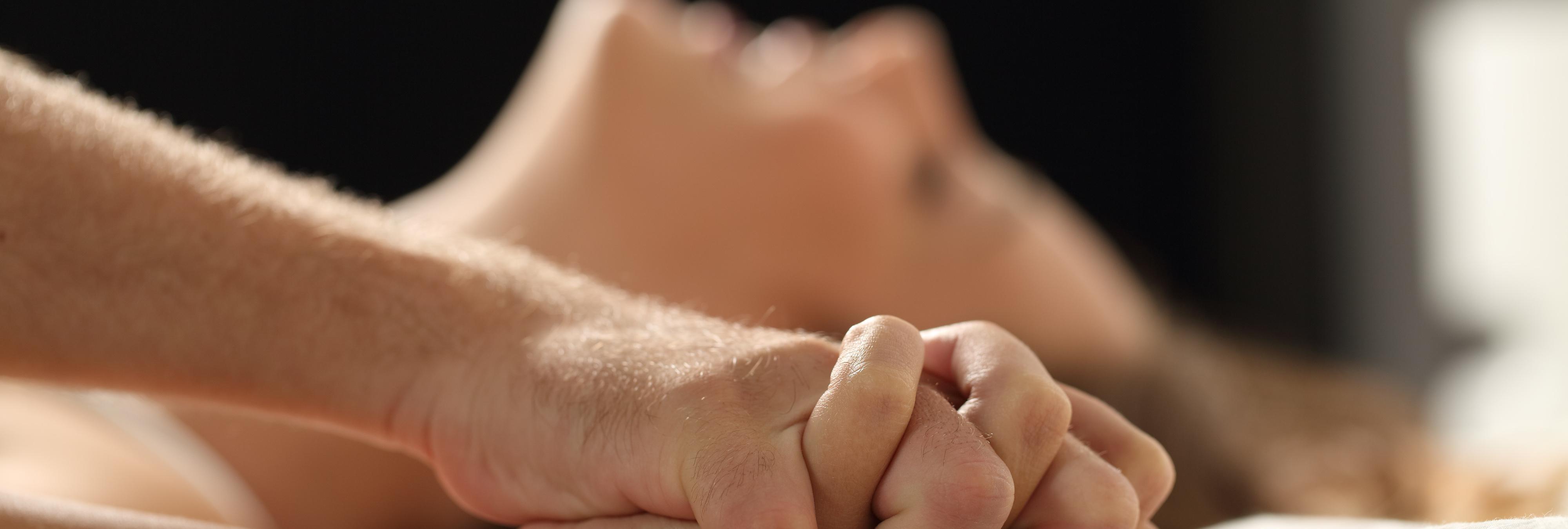 Violaciones, falsos rodajes...: actrices y actores porno denuncian las condiciones de la industria