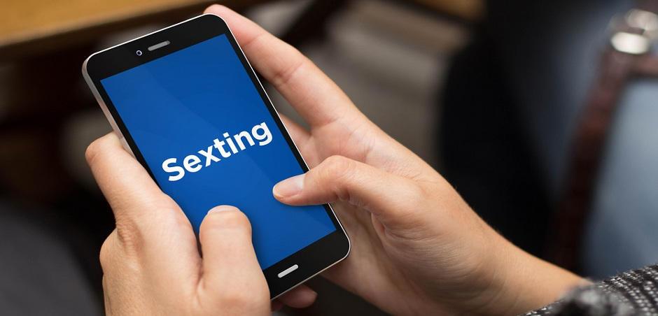Debemos aprender a respetar el sexting y la intimidad