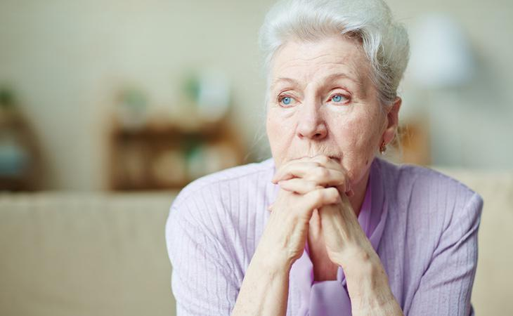 Miles de mujeres malviven con 400 euros al mes
