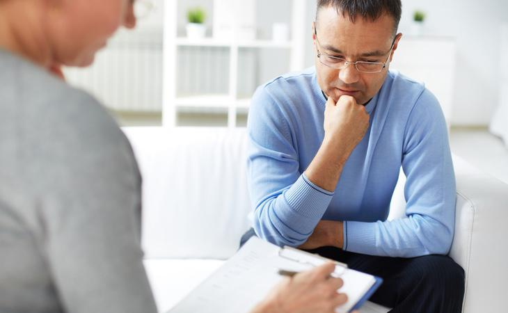 Acudir a un psicólogo para tratar el estrés puede ser una buena solución