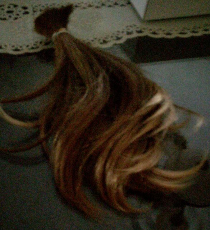 Este es el pelo que ha donado Alba Martínez para los niños con cáncer