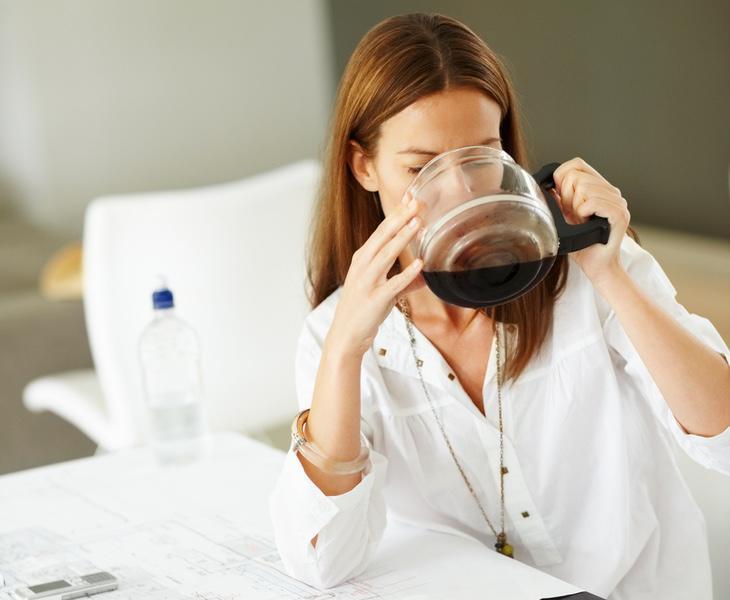 Consumieron 107 veces la cantidad recomendable de cafeína