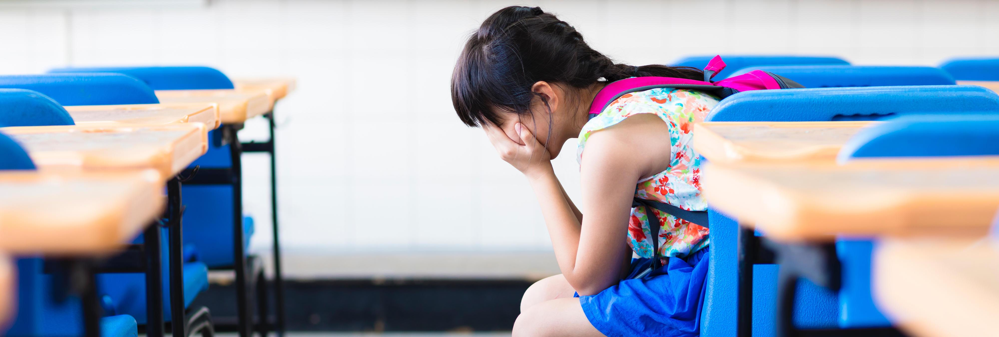 Una estudiante con piel de serpiente es expulsada de su colegio porque su aspecto asusta a sus compañeros