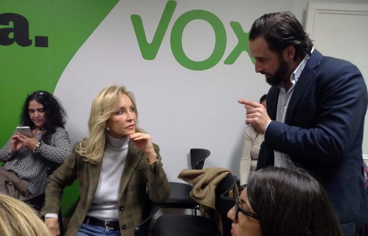 Carmen Lomana y su gatillazo político