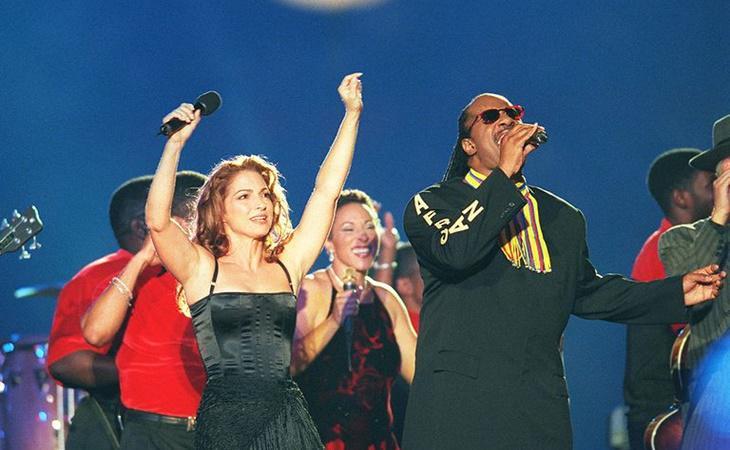 Los ritmos latinos coparon el escenario de la Super Bowl en 1999