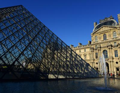 Un soldado francés dispara a un hombre armado que intentaba acceder al Louvre al grito de 'Alá es grande'