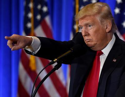 La expulsan de Estados Unidos por tener en el móvil un meme de Donald Trump