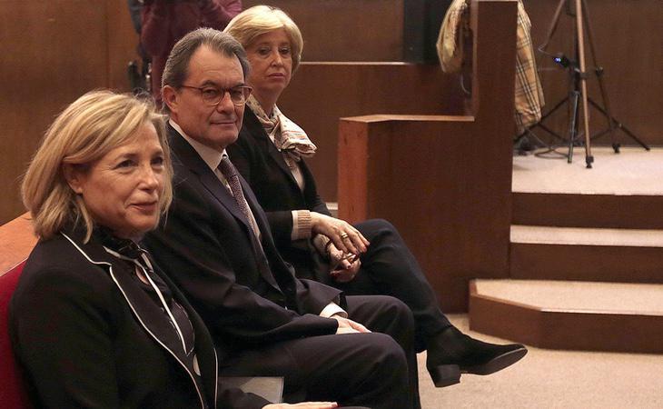 Artur Mas, Irene Rigau y Joana Ortega, en la celebración de la vista oral
