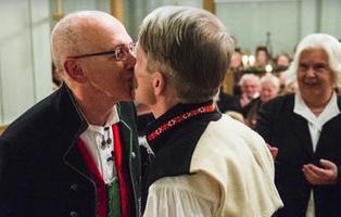 Las personas del mismo sexo ya pueden casarse por la Iglesia en Noruega