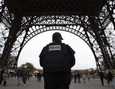Protestas en Francia por la agresión de un policía a un joven al que violó con una porra